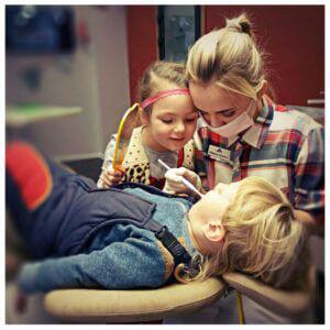 лікування молочних зубів у дітей стоматологія